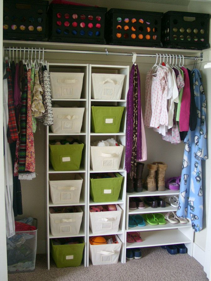Emilees Bedroom 001 from Organize and Decorate Everything    I like use of simple, inexpensive organizing containers, and the use of color, to make a well-organized space.