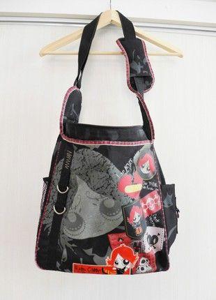 Kupuj mé předměty na #vinted http://www.vinted.cz/damske-tasky-a-batohy/tasky-pres-rameno/18359552-design-art-crossbody-bagtaska-pres-rameno-ruby-gloom