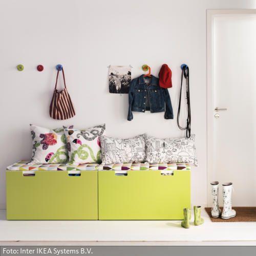 die besten 25 kindergarderobe mit sitzbank ideen auf. Black Bedroom Furniture Sets. Home Design Ideas