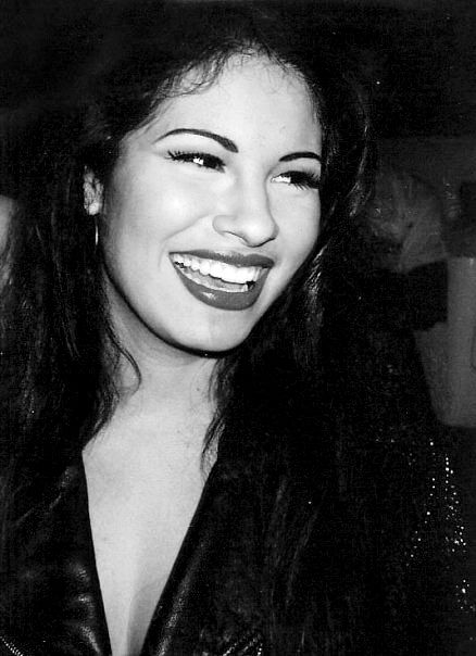 Selena.... She's who I've looked to for true beauty, size, figure shape & class my whole life.