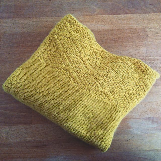 Ravelry: Project Gallery for Petit Docker pattern by Alice Hammer