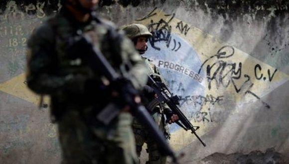 Partido de los Trabajadores se opone a la intervención militar de Río de Janeiro http://www.cubadebate.cu/noticias/2018/02/17/partido-de-los-trabajadores-se-opone-a-la-intervencion-militar-de-rio-de-janeiro/?utm_content=buffer0da29&utm_medium=social&utm_source=pinterest.com&utm_campaign=buffer