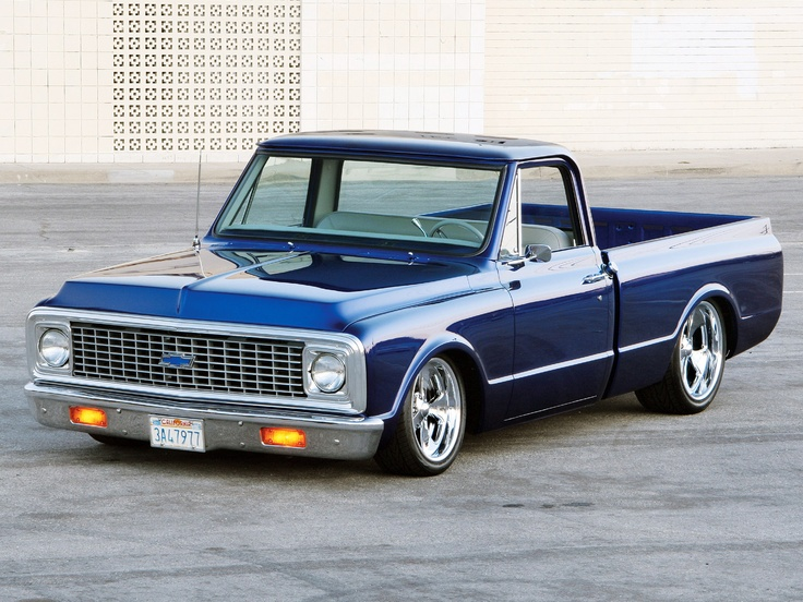 beautiful blue 1972 Chevrolet C10 Custom Pickup but not lowered