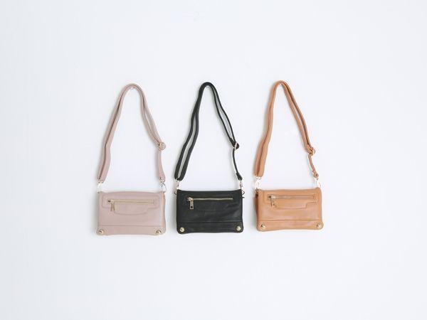 Korea women shopping mall [REALCOCO] Mini zipper BAG / Size : FREE / Price : 35 USD #realcoco #dailylook #officelook #lowprice #cute #bag #crossbag #zipper