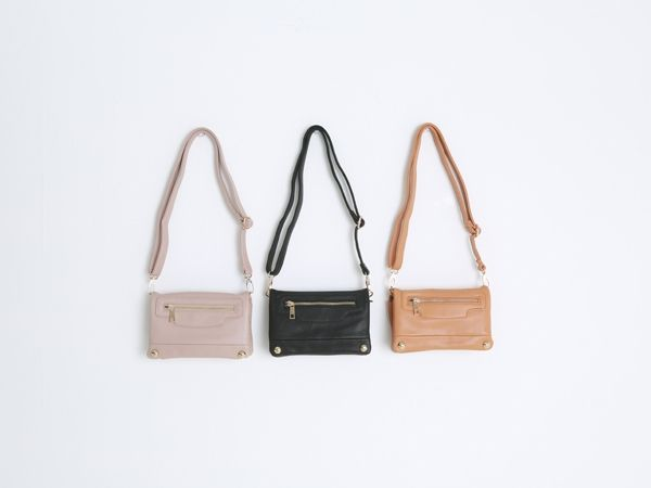 Korea women shopping mall [REALCOCO] Mini zipper BAG / Size : FREE / Price : 35 USD #realcoco #dailylook #officelook #lowprice #cute #bag #crossbag #zipper