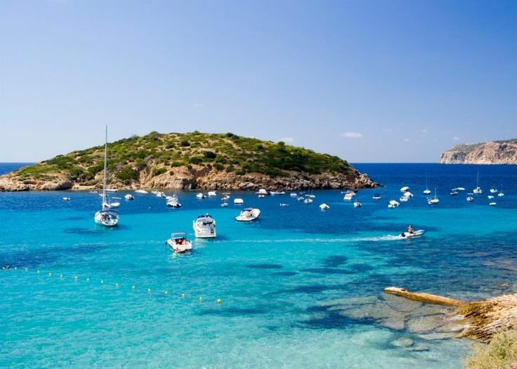 From the beach Platja de Sant Elm. Mallorca we looked at Dragonera Island