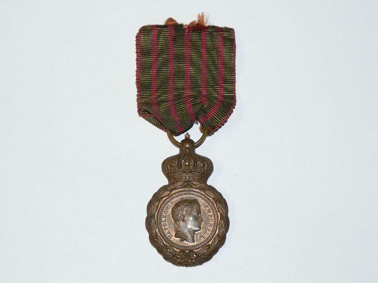 Belle médaille ancienne Napoléon I Empereur / Ste Hélène 5 Mai 1821