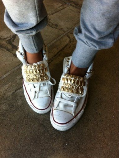 studded converse sneakers: Chuck Taylors, Style, High Tops, Studs Converse, Sneakers, Conver Shoes, Diy Projects, All Stars, Gold Studs