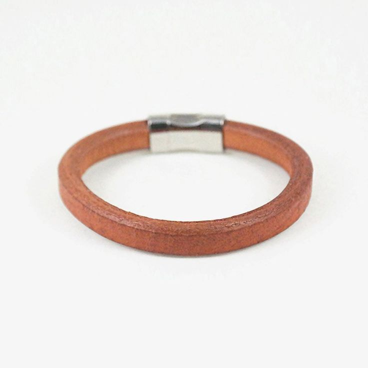 Vince Cuff / brown leather