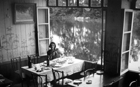 Jacques Henri Lartigue, Lady by the Lake on ArtStack #jacques-henri-lartigue #art