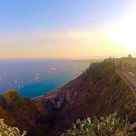 Giardini Naxos vista da Taormina Sicilia Viagens