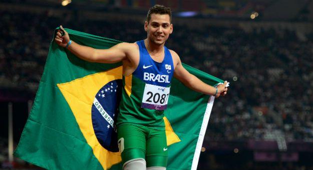 'Bolt' brasileiro, Alan Fonteles faz história e brilharia entre atletas sem deficiência