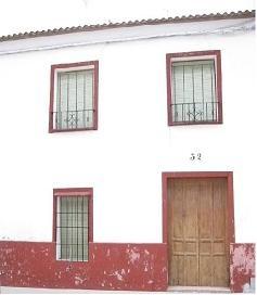 Fachada de mi casa de Castro del Rio