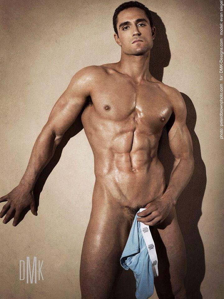 Thom evans nude