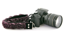 Whatever makes you feel like a rock star!!: Camera Straps, Plum Rose, Rose Organza, Slr Cameras, Capture Couture, Cameras Straps, Christmas Gifts, Organza Cameras, Plum Organza