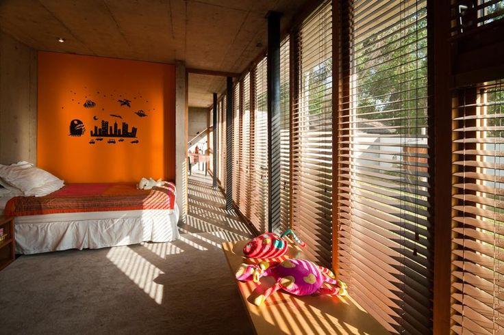 Meravigliosa villa modernista immersa nel verde in Cile - Living Corriere