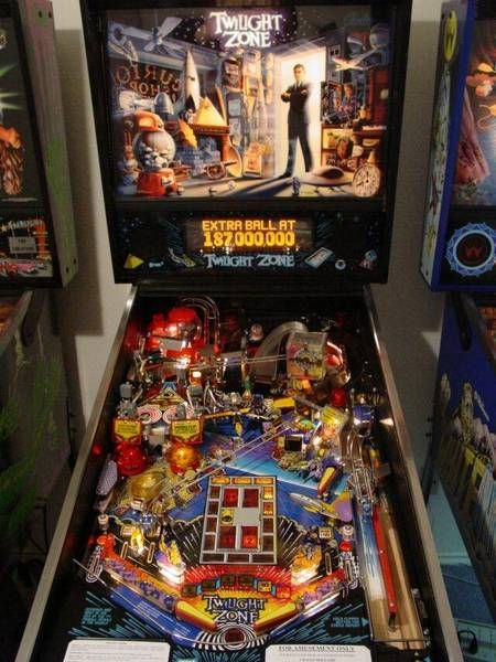 I repair & restore pinball machines! If you need a machine repaired, email me at JavitaCoffeeLI@gmail.com ! #Pinball