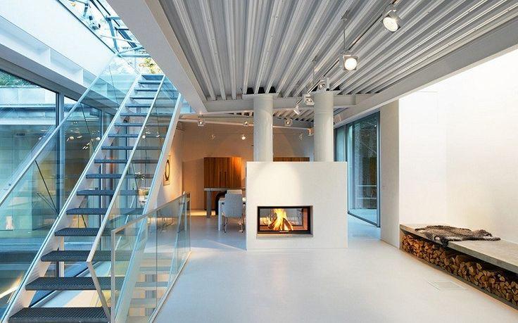 Chimenea diseño a dos caras posibilidades decorativas y funcionales a agregarlas en casa, su impacto decorativo sobre el espacio. Variantes de diseño
