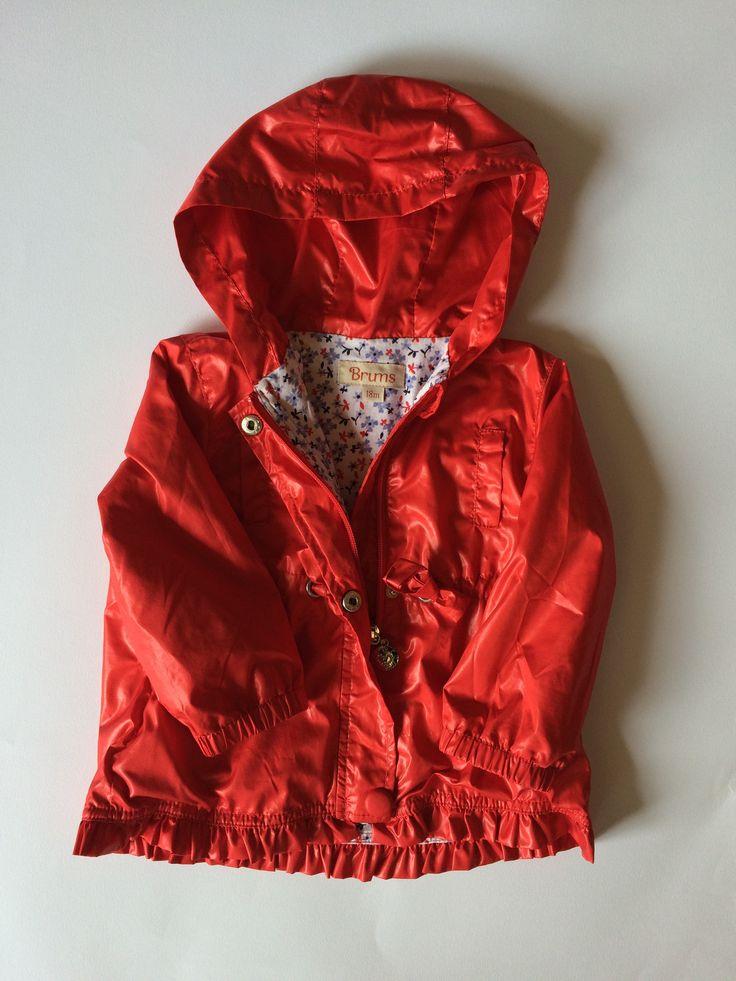 GIACCA A VENTO ROSSA FODERATA COTONE FIORI – http://hipmums.it/collections/giacche-piumini-boy/products/giacca-a-vento-rossa-foderata-cotone-fiori