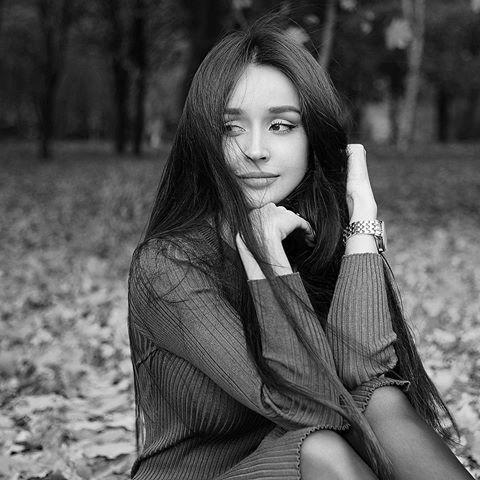 "Miroshnichenko Yaroslava on Instagram: ""🖤🖤🖤 #photooftheday #beautifull #l4l #instacool #blackandwhite #femenin #photo #woman #fashion #tender #pretty #instadaily #instagood #hair…"""