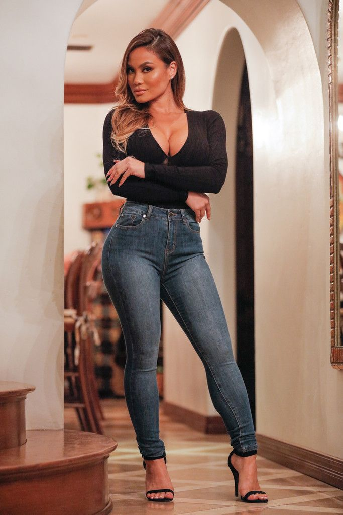 These ass hugger jeans will get your rock hard joi - 5 5