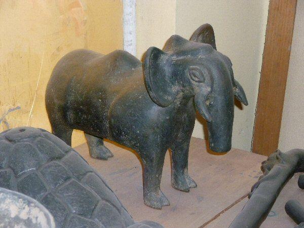 ceramic negra pyrotherium
