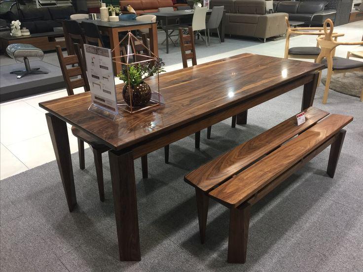 A-TABLE SET
