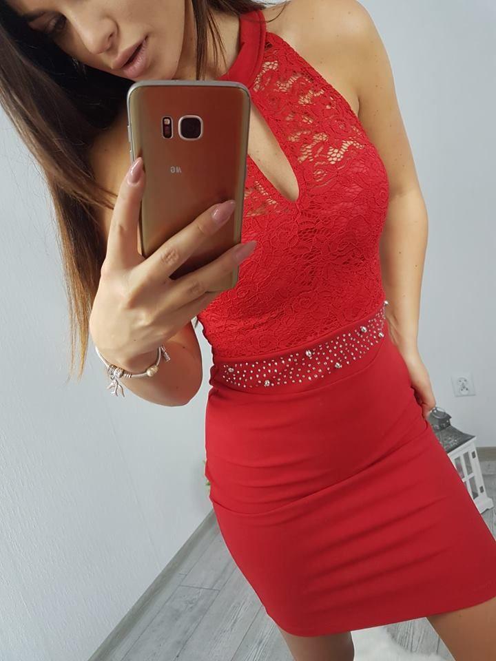 Krásne šaty na silvestrovský alebo firemný večierok.  d60d942e311
