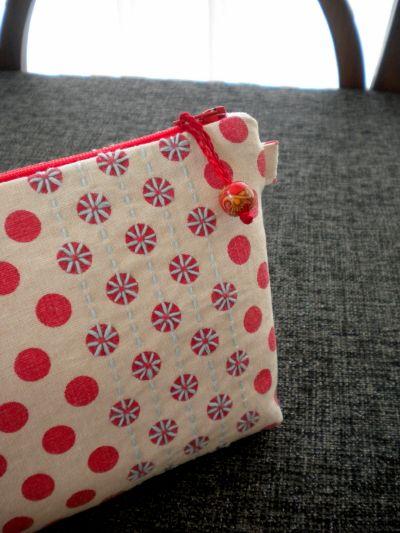Sashiko pouches- Absolutely love the simplicity and sashiko embroidery on these.