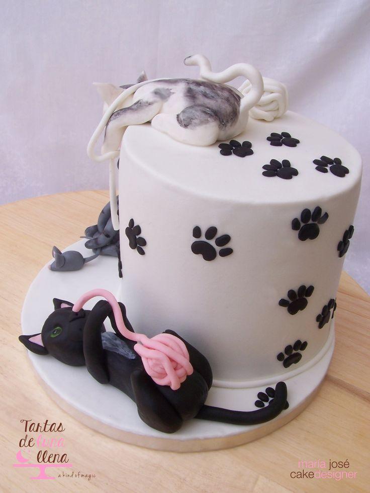 Tarta Lindos Gatitos - Fondant cats cake www.tartasdelunallena.blogspot.com