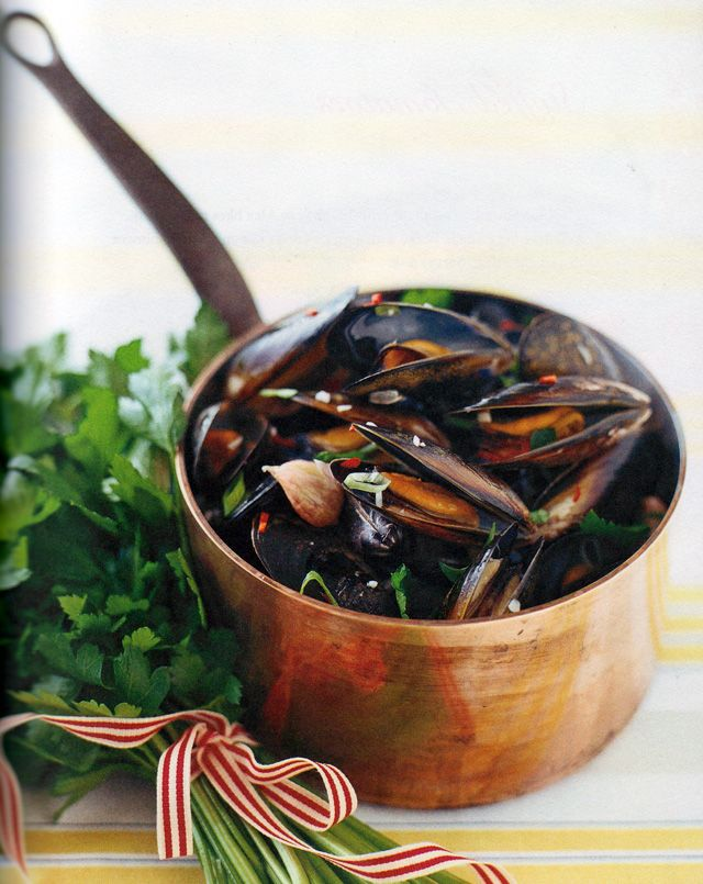 Mussels with chilli, ginger and garlic