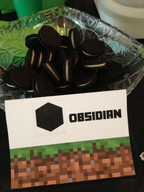 Minecraft Birthday Party Obsidian Food Sign for snacks/treats This is a blog with step-by-step instructions on how to set up a Minecraft party for your child