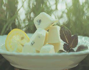 Zitronenglace mit Basilikum - Rezeptdatenbank - Swissmilk