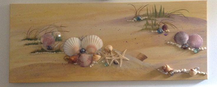 Pittura materica con acrilico e conchiglie