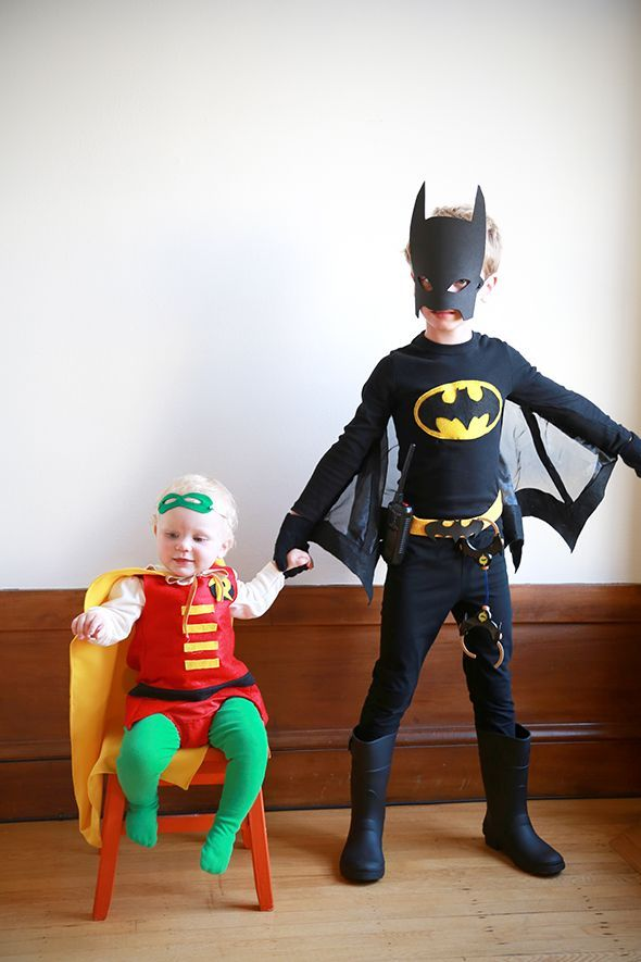 Sibling halloween costumes batman and robin