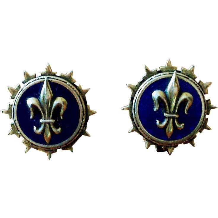 Vintage Fleur de Lis Button Style Earrings at whimsicalvintage.rubylane.com #whimsicalvintage #vintageearrings #fleurdelis