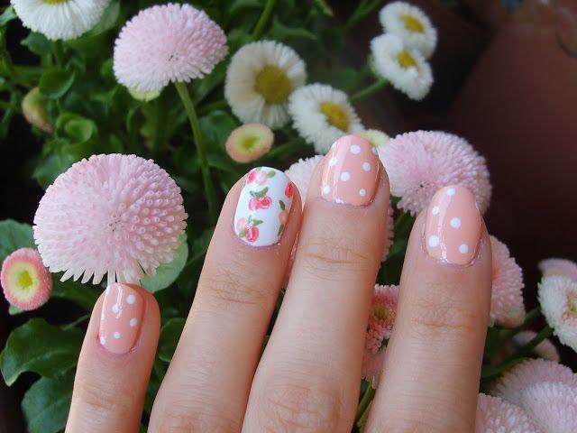 We love vintage manicures