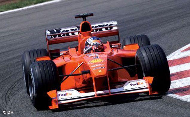 Premier titre d'une longue série pour Michael Schumacher avec la Scuderia en 2000 sur la F1-2000.
