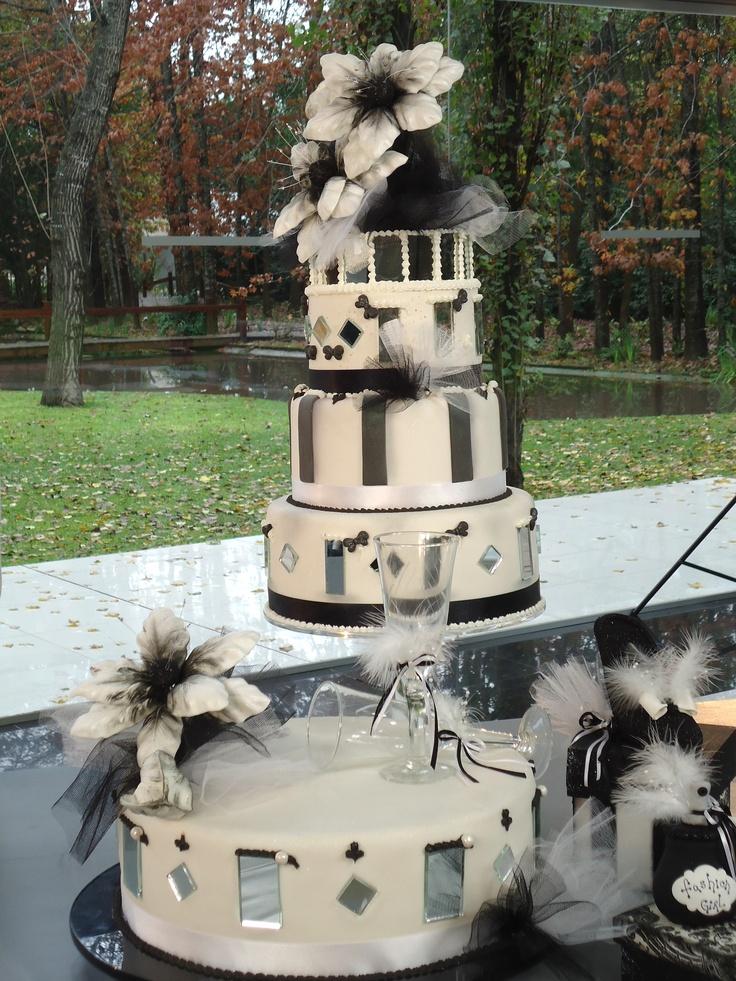 Torta de bodas en blanco y negro Mirta Cao para Celebraciones en Familia