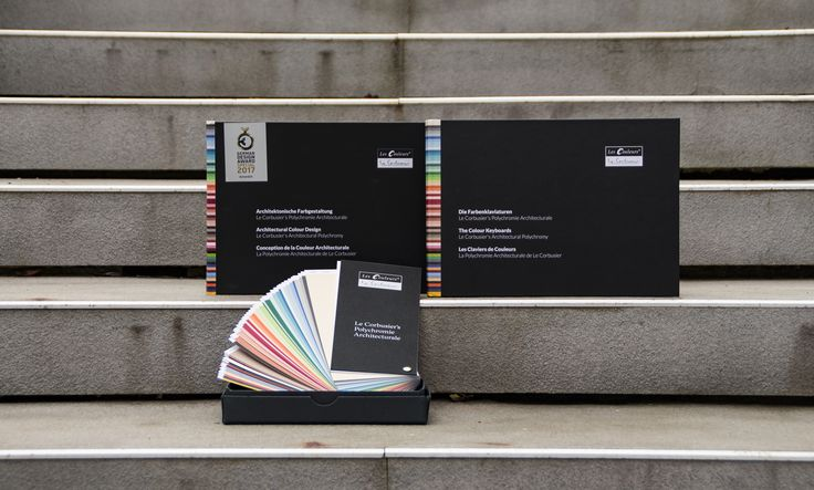 """This functional Les Couleurs® Le Corbusier product set includes Le Corbusier´s Colour Fan, the Colour Keyboards and the book """"Architectural Colour Design - Le Corbusier's Architectural Polychromy"""".  This set contains a reference book and two colour design tool with which you can design numerous colour combinations."""