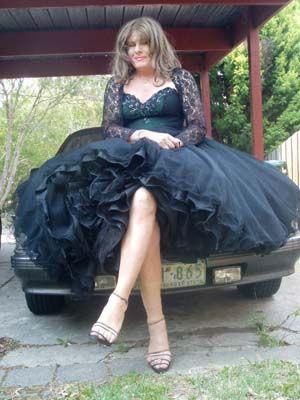 Transvestite IM WELL JEL WOT A GORGS DRESS SHE HAS :) XX