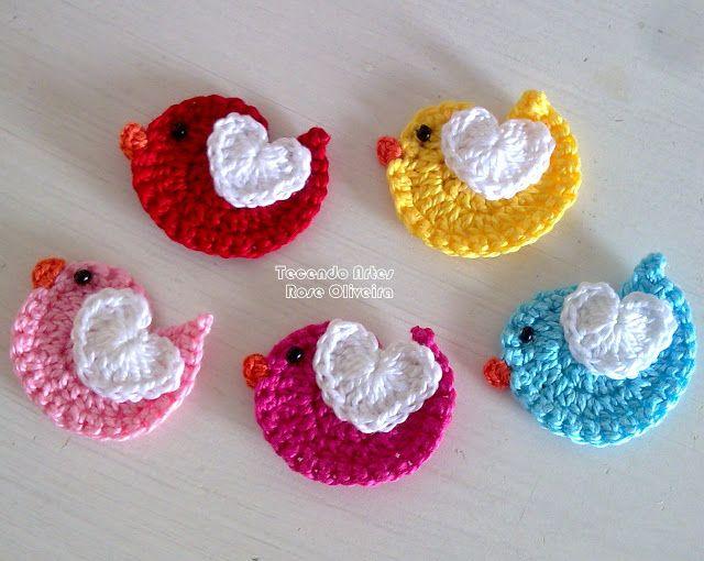 Birdies #Crochet applique.  Free pattern here: http://www.ravelry.com/patterns/library/bird-applique