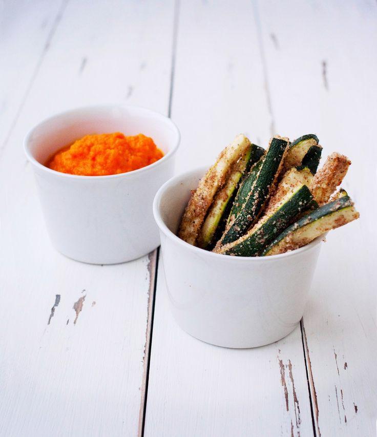 Запеченные палочки из цуккини с морковным кремом