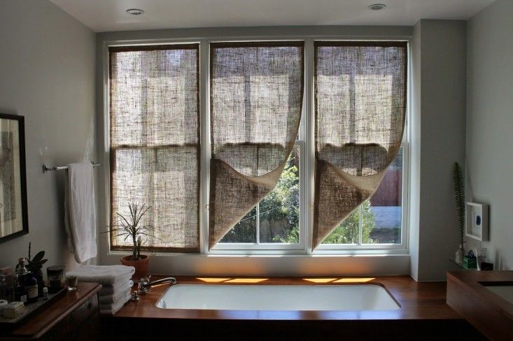 DIY-burlap-window-panels-by-Caitlin-Long-The-Shingled-House-Remodelista-4