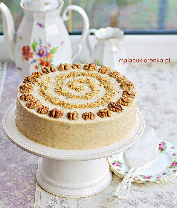 Tort miodowo – orzechowy wielowarstwowy