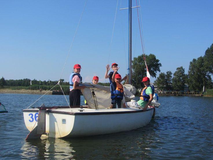 Kurs żeglarstwa na obozach #wakacje #żaglówki #woda #jezioro #sport