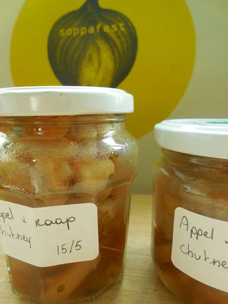 Chutney van appel en raap, met tijm en roze peper.