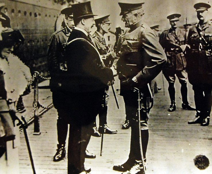 Liverpool, England. General John J. Pershing being received by the Lord Mayor of London, Liverpool, June 8, 1917. Courtesy of the Library of Congress.