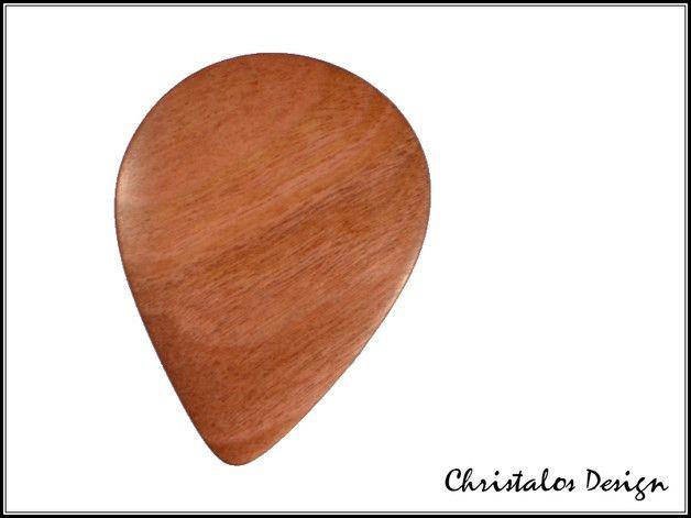 Padouk Wood Gitarrenplektrum Plektrum Holzplektrum   Padouk Holz Gitarrenplektrum Plektrum (Original Foto)  Gitarren Plektrum aus Padouk Holz  Maße 36x27 mm, Stärke ca.3mm