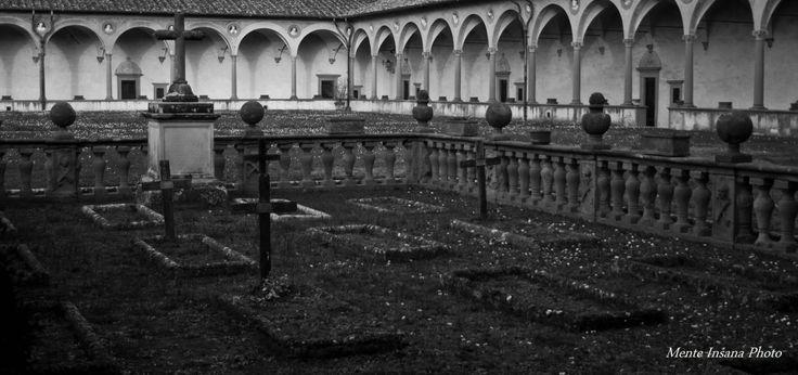 Cimitero...